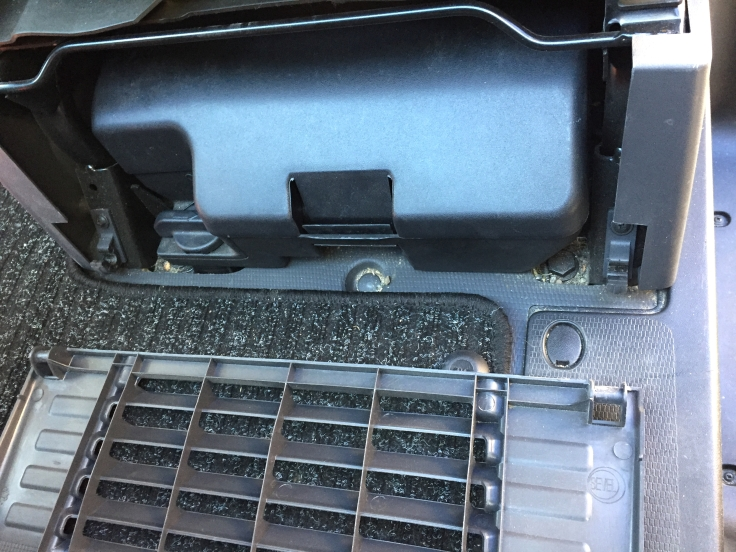 Ducato tool kit removal